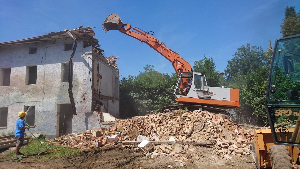 demolizione_casa_facca_1268